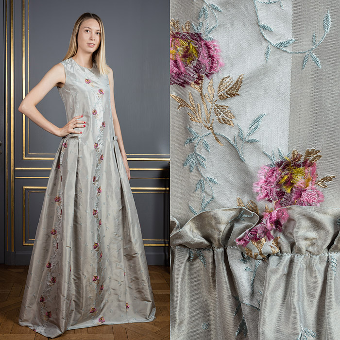 Flared long dress with embroidered flowers